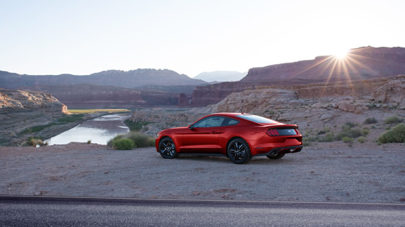 2017-ford-mustang-extrerior-rear-end